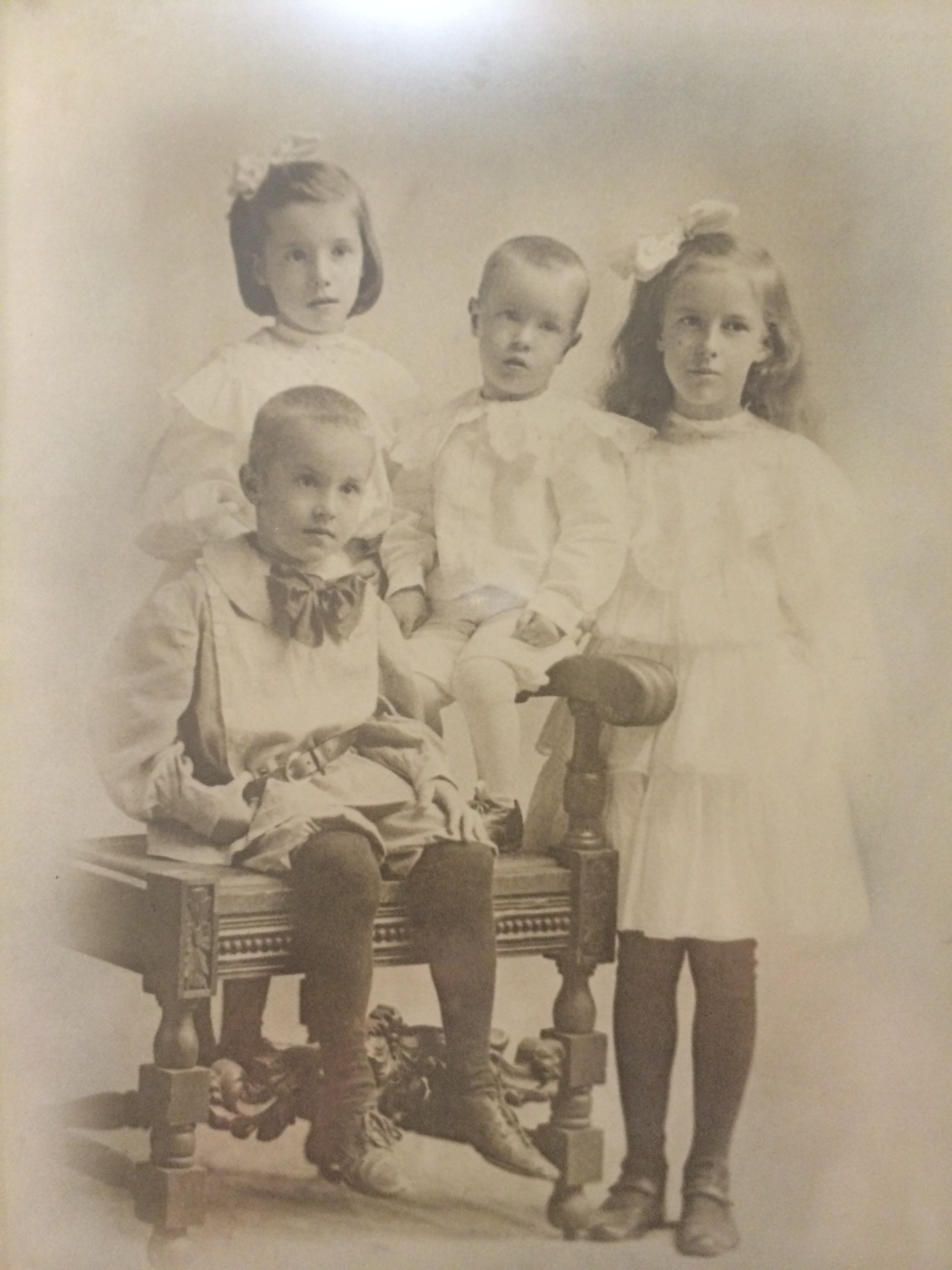 "Children of John J. Vallely and Anna Lillian (""Lila"") Moran"
